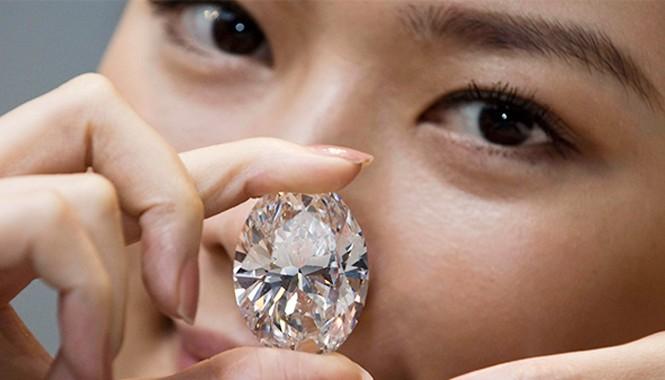 Cơn sốt kim cương ở Nga
