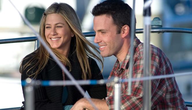 Jennifer Aniston và Ben Affleck năm nay có tên trong danh sách đề cử thoát khỏi đống bùn Mâm xôi vàng.