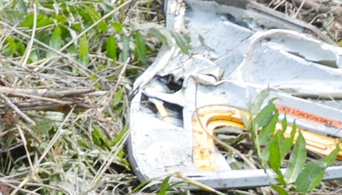Các mảnh vỡ xác trực thăng được tìm thấy nhiều nơi. Ảnh CTV.