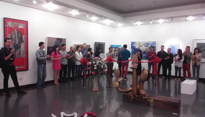 Hiện vẫn chưa có nhà trưng bày thích hợp với triển lãm mỹ thuật toàn quốc. Trong ảnh là không gian triển lãm 16 Ngô Quyền, Hà Nội. Ảnh: N.M.Hà.