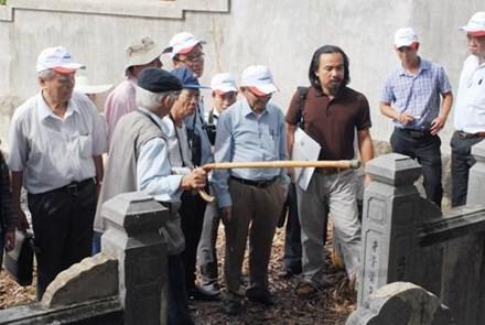 Khuôn viên chùa Vạn Phước trên gò Dương Xuân, nơi mà nhà nghiên cứu Nguyễn Đắc Xuân cùng với giáo sư Phan Huy Lê thực địa.Ảnh nguồn Internet