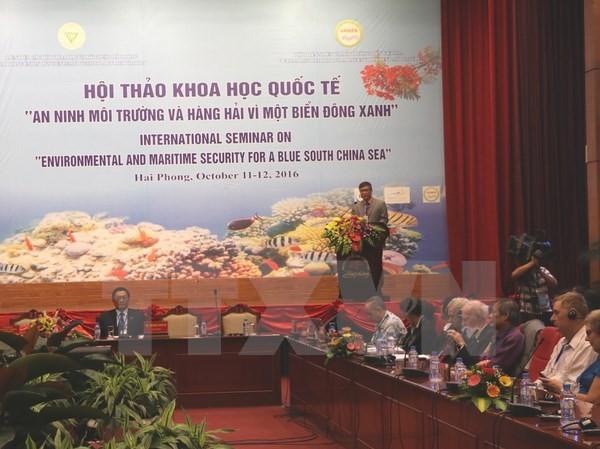 Phó Chủ tịch UBND thành phố Hải Phòng Nguyễn Xuân Bình phát biểu tại Hội thảo. (Ảnh: Minh Thu/TTXVN)