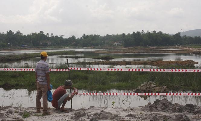 Khu vực Bàu Tràm đã bị đào bới nham nhở.