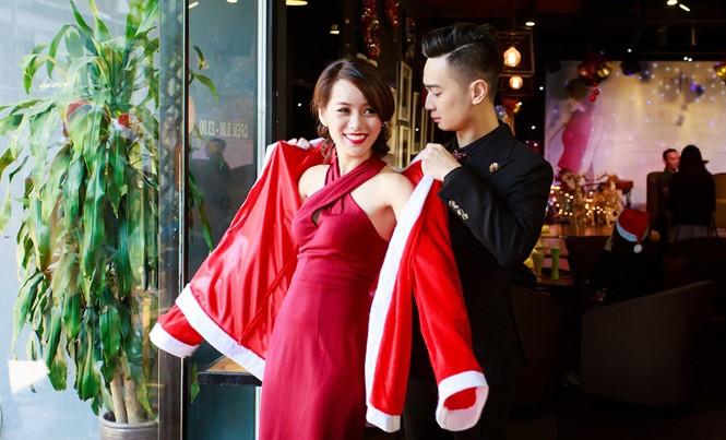 """Nghệ sĩ sáo Huyền Trang và DJ Slim V đón Noel bằng """"đứa con chung""""- album Christmas. Ảnh: Thành Đạt."""