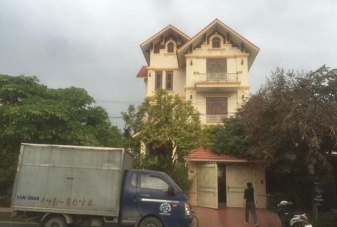 Căn biệt thự 3 tầng bề thế nằm ở khu du lịch Bãi Cháy của gia đình Thảo. Ảnh: Minh Đức