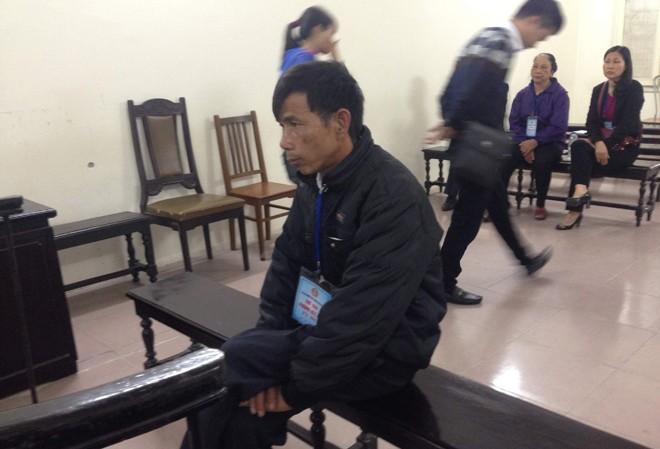 Bị cáo Nguyễn Tiến Hoàn tại tòa.