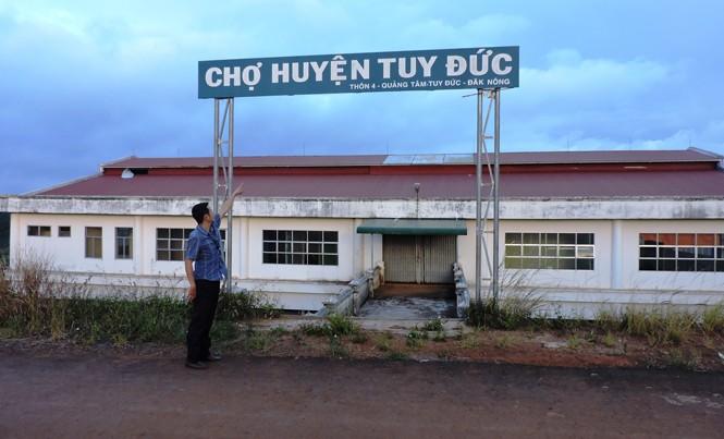 Chợ huyện Tuy Đức bỏ hoang.
