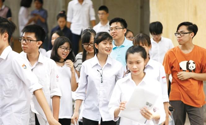 Xưa nay Bộ loay hoay mãi với việc tuyển sinh, mỗi năm mỗi kiểu (Trong ảnh: Thí sinh dự thi THPT Quốc gia 2016). Ảnh: Ngọc Châu.