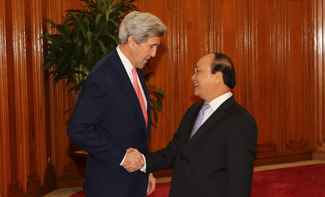 Thủ tướng Nguyễn Xuân Phúc tiếp Ngoại trưởng Mỹ John Kerry. Ảnh: Như Ý.
