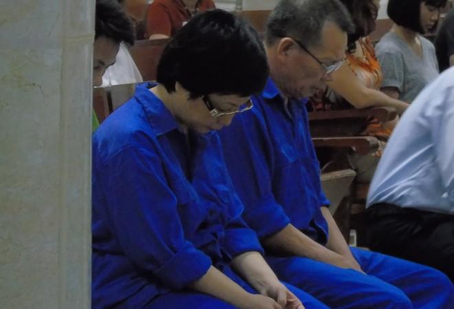 Bà Châu Thị Thu Nga (bìa trái) và Nguyễn Văn Tuẫn.