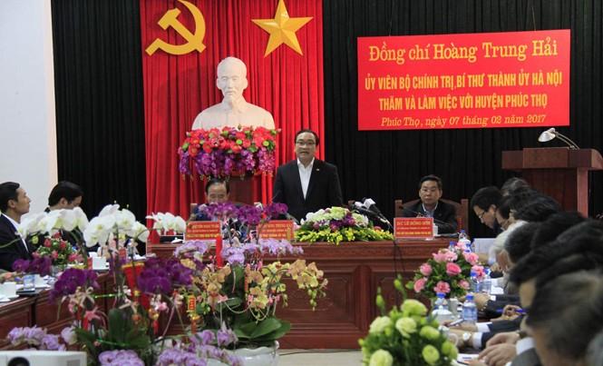 Bí thư Thành ủy Hà Nội Hoàng Trung Hải phát biểu tại buổi làm việc. Ảnh: Trường Phong.