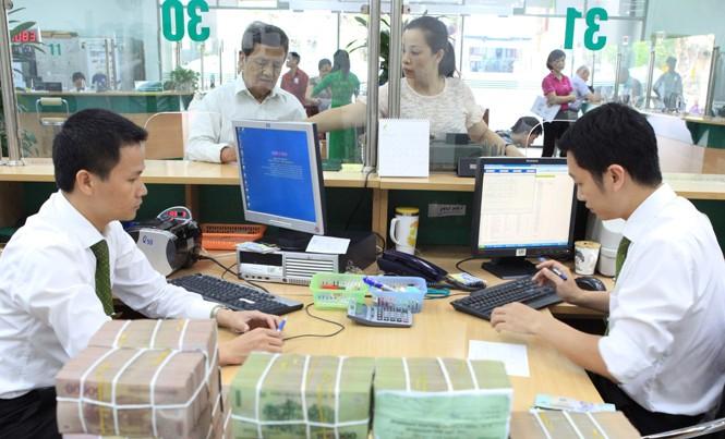 Thay cho căng thẳng thanh khoản trong hệ thống, nay ngân hàng lại thừa tiền.