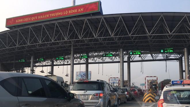Nhiều trạm thu phí BOT không đảm bảo khoảng cách 70km vẫn được chấp nhận. Ảnh: Minh Tuấn.