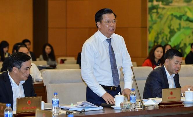 Bộ trưởng Đinh Tiến Dũng khẳng định, nợ công tăng nhanh do điều hành.