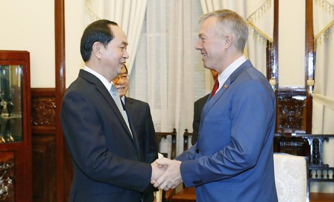 Chủ tịch nước Trần Đại Quang tiếp Đại sứ Mỹ tại Việt Nam Ted Osius. Ảnh: TTXVN.