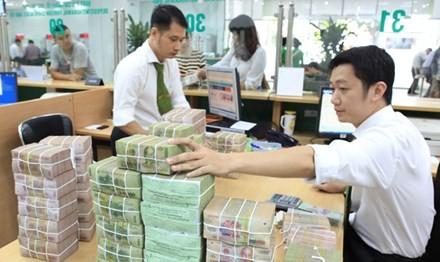 Gửi tiền kỳ hạn vừa phải, ngân hàng có lãi suất và tín nhiệm tốt hơn là mua chứng chỉ tiền gửi.