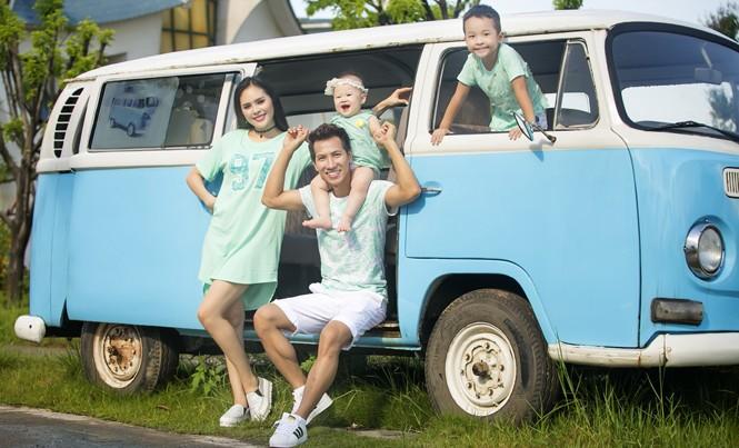 Gia đình hai ca sĩ Lê Anh Dũng - Lê Trinh. Ảnh: NVCC.