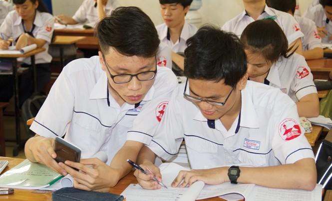 Việc thí sinh đăng ký nhiều nguyện vọng sẽ gây tâm lý lo lắng cho các trường chiếu dưới. Ảnh: Nguyễn Dũng.