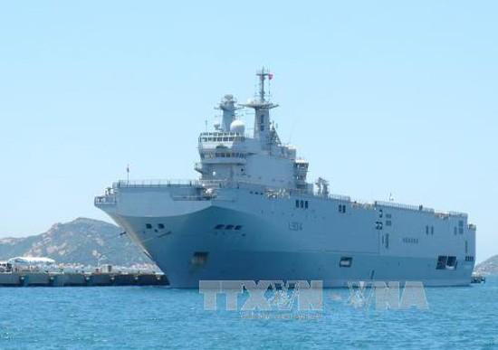 Một tàu của Hải quân Pháp cập Cảng quốc tế Cam Ranh hồi tháng 5/2016. Ảnh: Nguyên Lý/TTXVN