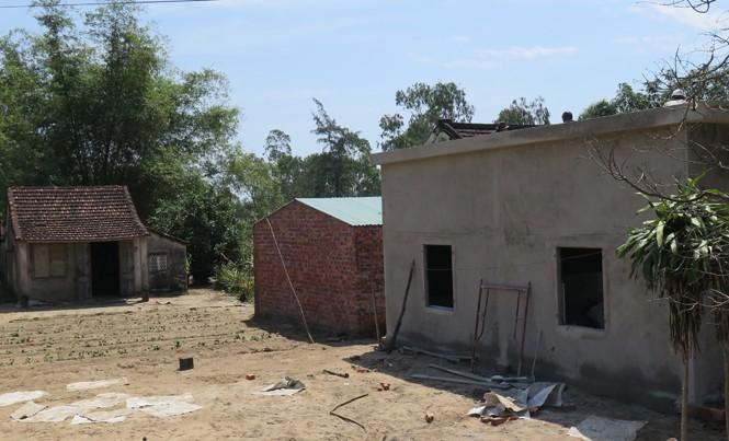 Nhiều ngôi nhà, công trình trái phép mọc lên trên đất dự án nhằm trục lợi tiền giải tỏa đền bù.