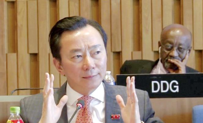 Đại sứ Phạm Sanh Châu tại vòng thi phỏng vấn. Ảnh: Việt Nam & Thế giới.