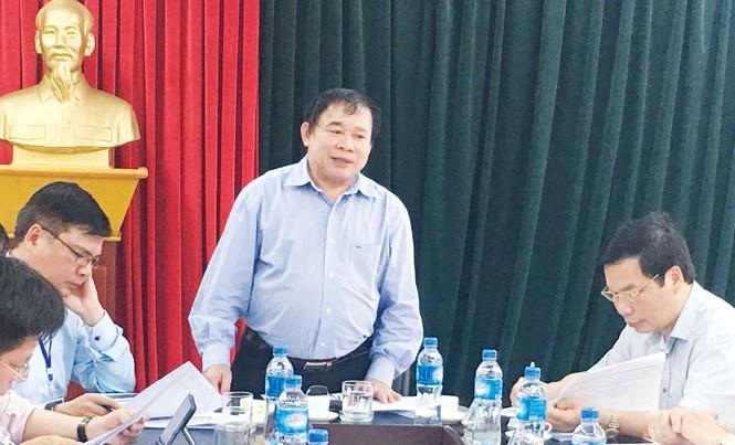 Thứ trưởng GD&ĐT Bùi Văn Ga kiểm tra thi tại tỉnh Ninh Bình.