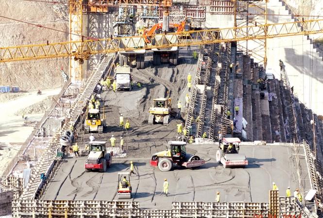 Sông Đà - 'Anh cả' trong xây dựng thủy điện, công trình ngầm.