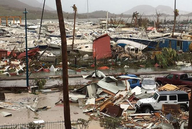 Thiên đường du lịch đảo St Martin trong hoang tàn đổ nát. Ảnh: Getty Images.
