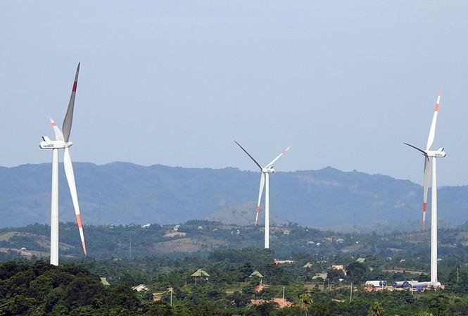 Dự án điện gió Hướng Linh 2 tại tỉnh Quảng Trị đã chính thức hòa vào lưới điện quốc gia. Ảnh: H. Thành.