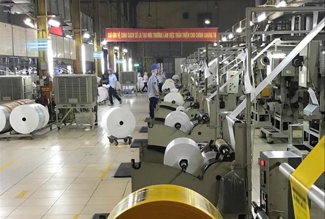 Dây chuyền sản xuất tại Cty Nhựa Hưng Yên.