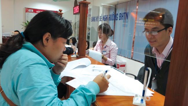 Việc cơ quan BHXH được giao chức năng thanh tra chuyên ngành sẽ hạn chế tình trạng DN trốn đóng BHXH trong thời gian tới. Ảnh: Bảo Anh