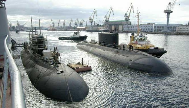 Tàu ngầm lớp Kilo đang thử nghiệm ở St. Petersburg, Nga - Ảnh: RIA Novosti