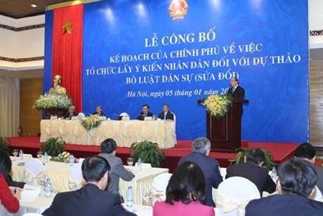 Phó Thủ tướng Chính phủ Nguyễn Xuân Phúc dự và phát biểu chỉ đạo lễ công bố Kế hoạch của Chính phủ về việc tổ chức lấy ý kiến nhân dân đối với Dự thảo Bộ luật Dân sự (BLDS) sửa đổi. Ảnh: VGP