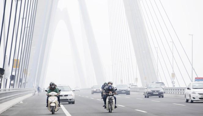 Hà Nội tổ chức lại giao thông cầu Nhật Tân. Ảnh: Như Ý