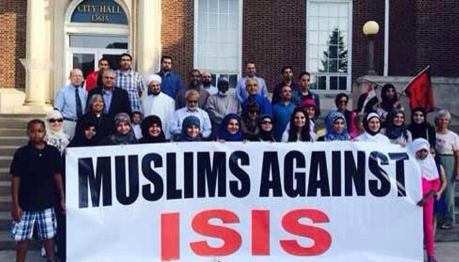 """Biểu tình của người đạo Hồi với biểu ngữ """"người đạo Hồi phản đối IS"""" tại Anh"""