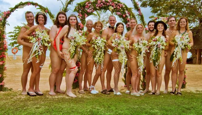Những đám cưới khỏa thân tại Anh.