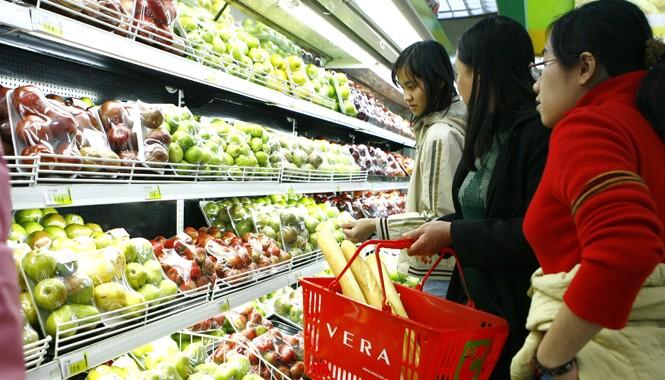 Làm sao người tiêu dùng Việt Nam biết được đâu là táo Mỹ nhiễm khuẩn? Ảnh: Hồng Vĩnh
