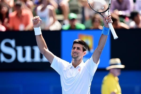 Australian Open: Djokovic và Serena Williams chứng tỏ sức mạnh