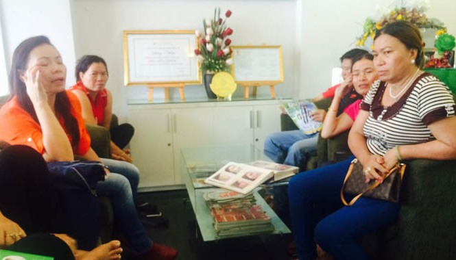Nhiều chị em người Việt và Việt kiều đợi làm đẹp ở một cơ sở thẩm mỹ tại quận 1, TPHCM. Ảnh: T.V