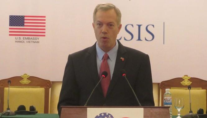 Đại sứ Mỹ Ted Osius phát biểu tại Hội thảo. Ảnh: Trúc Quỳnh