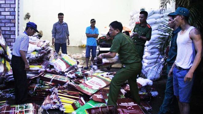 Bắt quả tang vụ sản xuất phân bón trái phép tại thành phố Bảo Lộc.