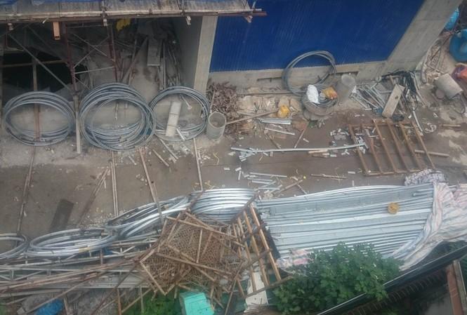 Hiện trường vụ sập giàn giáo làm 2 người chết ở quận Hoàng Mai, Hà Nội hôm 13/10.