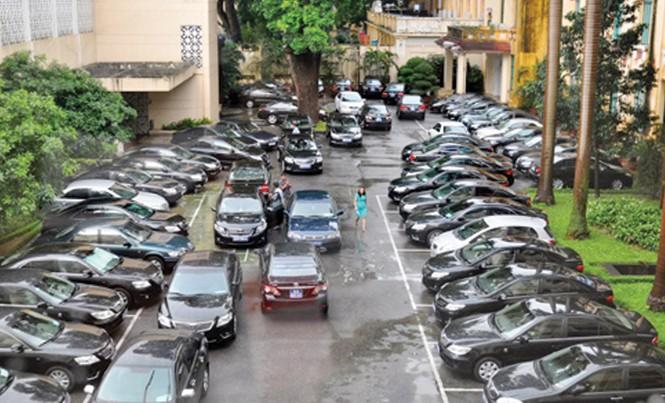 Theo Bộ Tài chính, đến năm 2020 sẽ giảm 30 - 50% xe công. Ảnh: Tuấn Cao