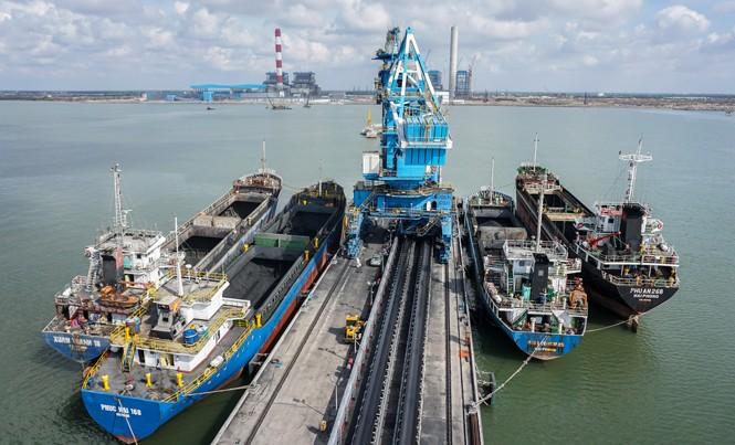 Công ty chuẩn bị sẵn sàng nguồn nhiêu liệu than phục vụ cho công tác vận hành nhà máy Nhiệt điện Duyên Hải 1