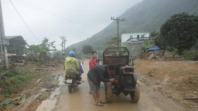 Công nông lông nhông trên đường