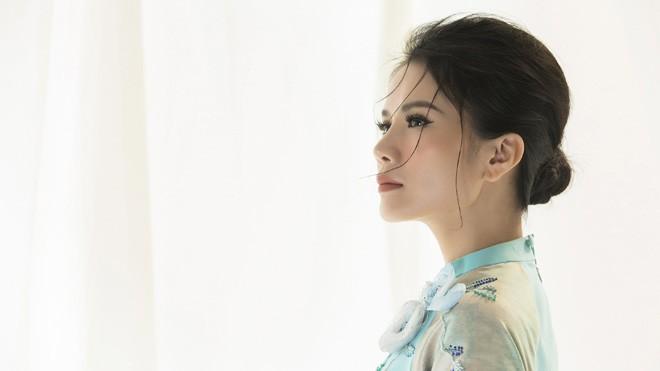 """Hình ảnh mới nhất của Thành Lê trong album """"Khúc hoài hương"""". Ảnh: Lê Thiện Viễn"""