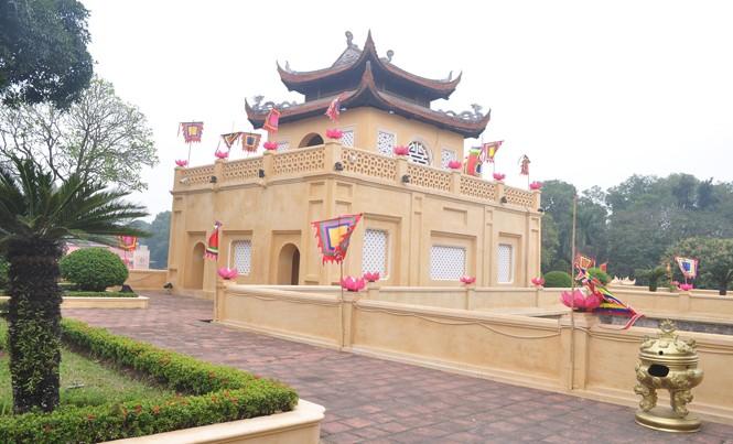 """Lãnh đạo thành phố Hà Nội yêu cầu rút kinh nghiệm trong việc """"làm mới"""" các di tích (ảnh chụp di tích Hoàng thành Thăng Long)"""