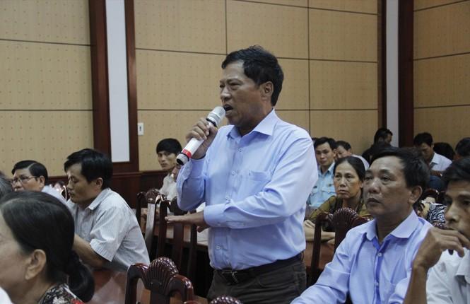 Cử tri quận Cẩm Lệ đặc biệt quan tâm đến sai phạm của lãnh đạo thành phố và tham nhũng. Ảnh: Thanh Trần.