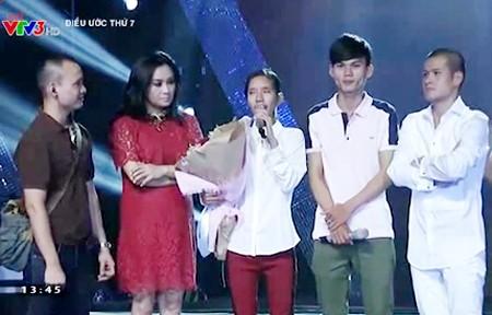 Ca sĩ Thanh Lam và đạo diễn Việt Tú trong buổi ghi hình có sự xuất hiện của cặp đôi Nhật Thanh và Như Đào.