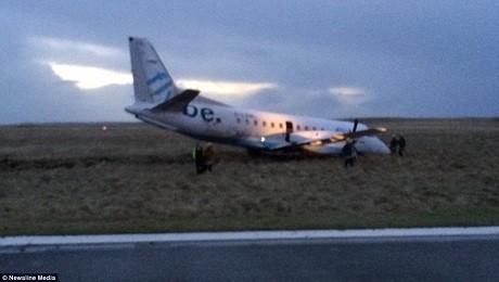 Chiếc máy bay Saab 340 bị văng ra khỏi đường băng khi cố cất cánh